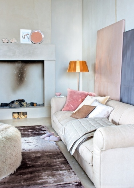 Neutral interior with blush pillow and art